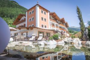 Hotel Neuwirt - Cadipietra / Steinhaus