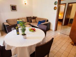 Apartment Ivana.1, Апартаменты  Цриквеница - big - 7