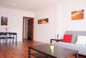 Brisa Apartment II, Vecindario