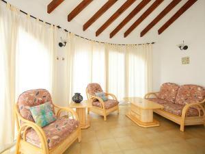 Holiday Home Alfred, Holiday homes  Cumbre del Sol - big - 11