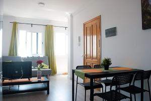 Brisa apartment III, Vecindario