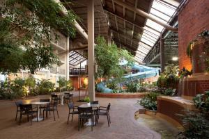 Delta Hotels by Marriott Toronto East, Hotely  Toronto - big - 17