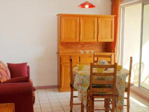 Apartment Les Cigalines, Apartmány  Narbonne-Plage - big - 6
