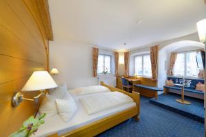 Hotel Alte Post, Hotely  Oberammergau - big - 22