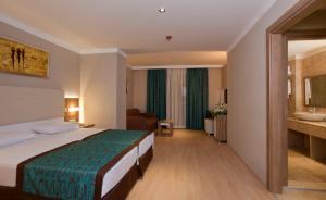 Riviera Hotel & Spa, Отели  Алания - big - 25