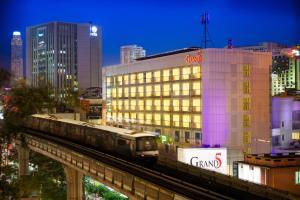 Grand 5 Hotel & Plaza Sukhumvit Bangkok - Бангкок