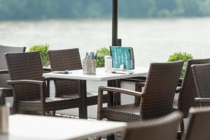 Rheinterrassen Hotel Café Restaurant - Hersel
