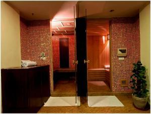 Hotel Aura, Отели  Нью-Дели - big - 89