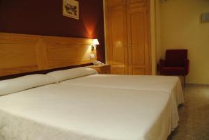Hotel Alegría, Hotels  Baños de Montemayor - big - 3