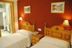Hotel Alegría, Hotels  Baños de Montemayor - big - 4