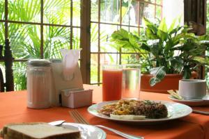 La Posada del Arcangel, Bed & Breakfasts  Managua - big - 73