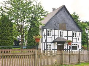 Holiday Home Am Bach 1 - Elleringhausen