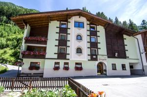 Hotel Garni Siegele - Accommodation - Ischgl