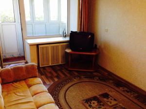 Apartment on Dobrolybova 14 - Balmoshnyy