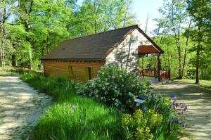Location gîte, chambres d'hotes Le Village Enchanteur dans le département Dordogne 24