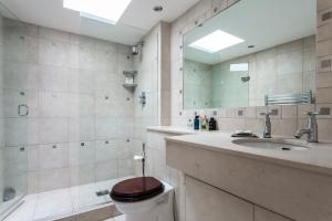 onefinestay - South Kensington private homes III, Апартаменты  Лондон - big - 117