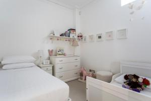 onefinestay - South Kensington private homes III, Апартаменты  Лондон - big - 99