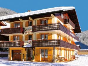 Chalet with Appartements F 017022 24