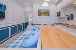 Revelton Suites Karlovy Vary, Aparthotels  Karlsbad - big - 3