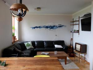 Öxl Guesthouse, Country houses  Búðir - big - 13