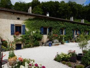 Location gîte, chambres d'hotes La Vallotte dans le département Haute Marne 52