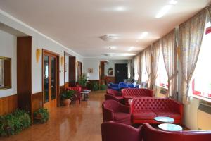 Hotel Victoria, Отели  Ривизондоли - big - 20