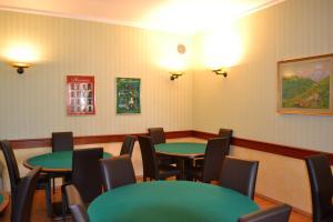 Hotel Victoria, Отели  Ривизондоли - big - 10
