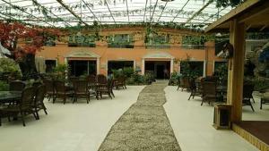 Qilianshan Ecological Garden, Holiday homes  Qilian - big - 22