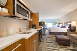 Home2 Suites by Hilton Orlando International Drive South (11 of 24)