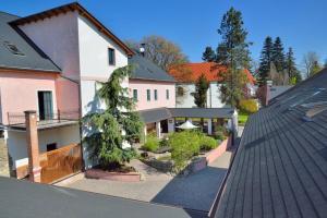 Albergues - Hotel and restaurant Via Ironia