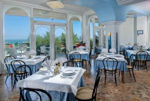 Strand Hotel, Hotels  Gabicce Mare - big - 54