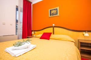 Hotel Bavaria - First Library Hotel, Hotely  Trogir - big - 69