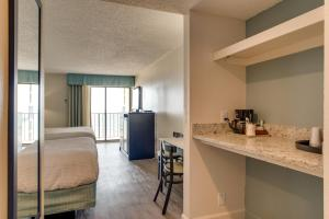 Carolinian Beach Resort, Hotely  Myrtle Beach - big - 70