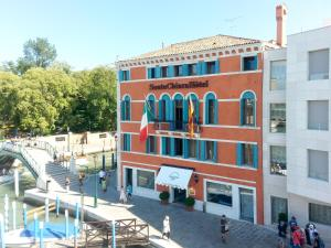 Hotel Santa Chiara & Residenza Parisi - AbcAlberghi.com