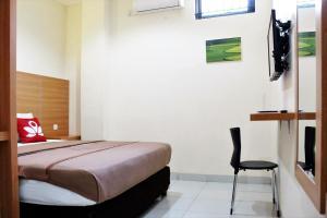 ZEN Rooms Bontolangkasa, Гостевые дома  Макасар - big - 11