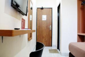 ZEN Rooms Bontolangkasa, Pensionen  Makassar - big - 24