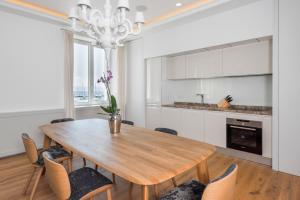 Luxurious Riva Dalmatia Apartments, Apartmány  Split - big - 9