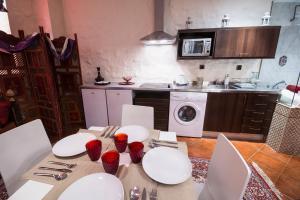 Alaia Holidays Gran Vía, Apartmány  Madrid - big - 27