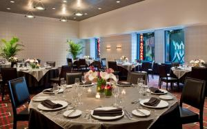 DoubleTree Suites by Hilton NYC - Times Square, Hotely  New York - big - 33
