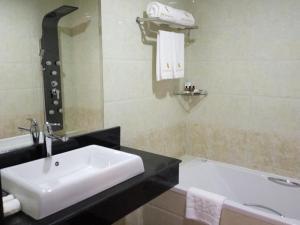 Royal Hinthar Hotel, Szállodák  Mawlamyine - big - 33