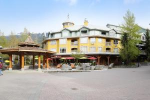 Town Plaza Suites by Whistler Places