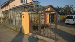 Swiss Borzoi House, Bed and Breakfasts  Bellerive - big - 45
