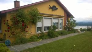 Swiss Borzoi House, Bed and Breakfasts  Bellerive - big - 39
