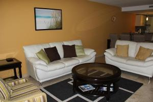Oasis Ocean View, Appartamenti  Palm-Eagle Beach - big - 6