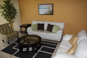 Oasis Ocean View, Appartamenti  Palm-Eagle Beach - big - 7
