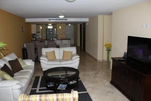 Oasis Ocean View, Appartamenti  Palm-Eagle Beach - big - 5