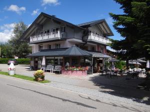 Vintage Hotel Charivari