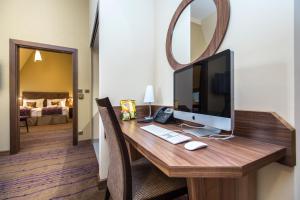Merchants Crown Suites and Spa..