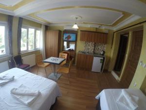 Arat Apartments, Апарт-отели  Стамбул - big - 131
