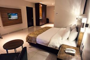 拉古納酒店